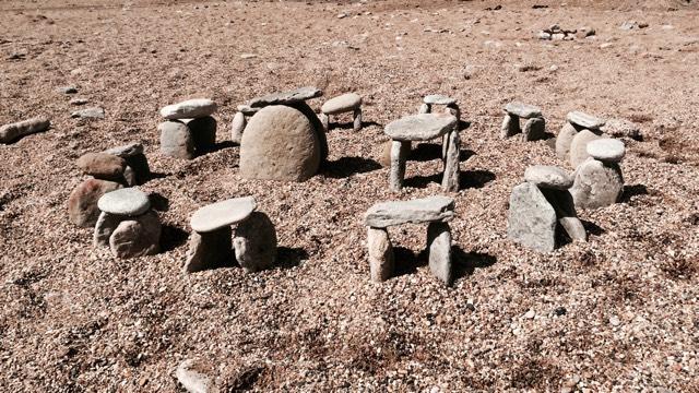 mini-stonehenge-640